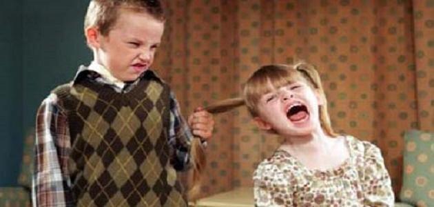 صور كيفية التعامل مع الطفل العدواني , طرق لاغنى عنها فتربية طفلك