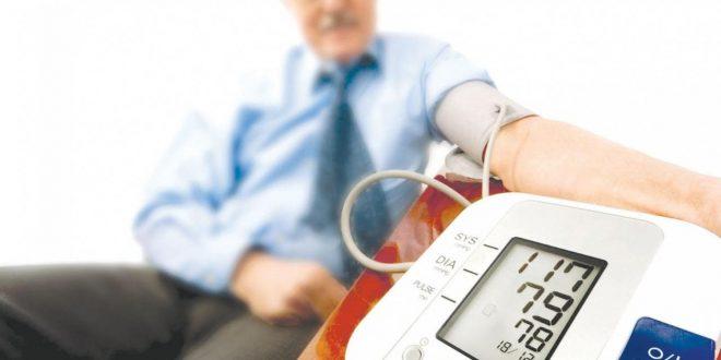 صورة هل السكر يرفع الضغط , مرضى السكر و الضغط معرضون الى الخطر