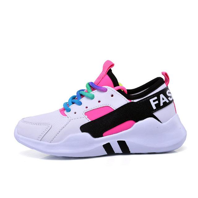 صورة احذية الرياضة للبنات , حبه تكونى مميزه اختارى من اروع تشكيله احذيه