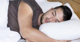 صورة اسباب كثرة التعرق اثناء النوم , كل ما تحتاج معرفته عن التعرق الليلى