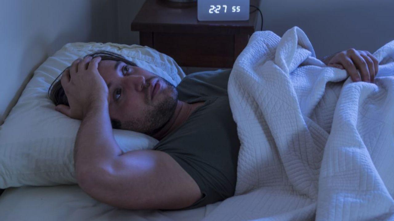 صورة عدم القدرة على النوم , اسباب الشعور بعدم الراحه اثناء النوم