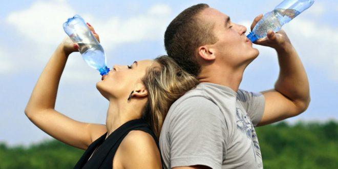 صورة هل الماء يزيد الوزن , معلومه حقيقه لا تدع احد يكذب عليك