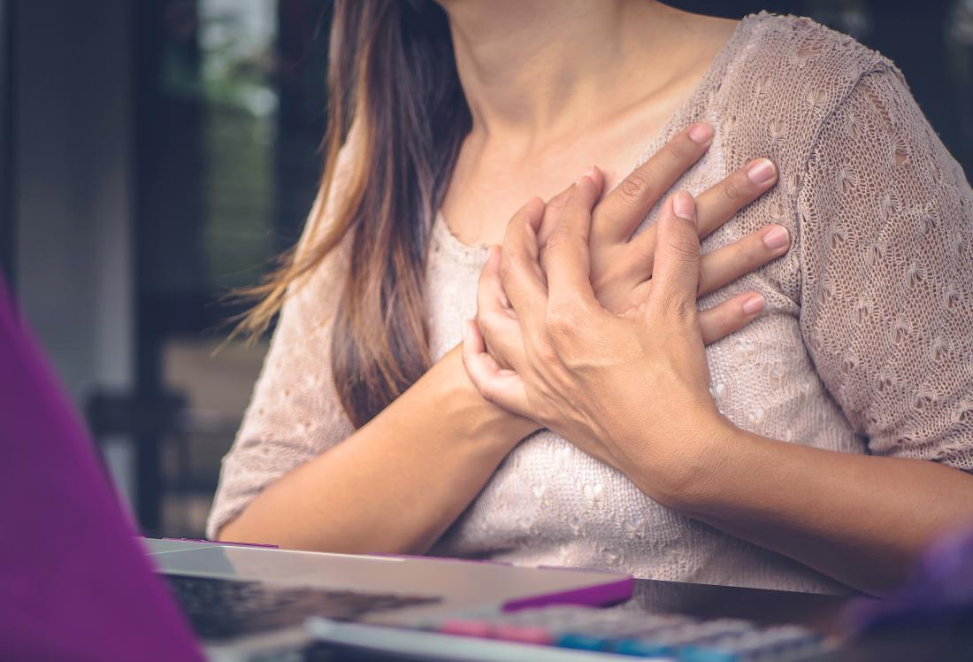 صورة الم تحت الثدي الايمن , توجد اسباب مختلفة للالم تعرف عليها