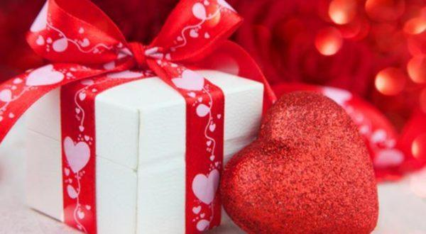 صورة عبارات عن الهدية , اجمل هديه حصلت عليها وارق كلام